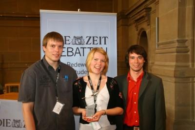 Das Magdeburger Siegerteam: Hauke Blume, Miriam Hauft und Jonas Werner