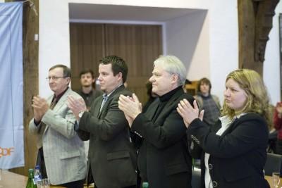 Die Ehrengäste der ZEIT DEBATTE in Tübingen Gratulieren den Siegern